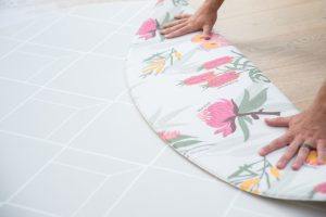 Round baby play mat Australian floral grey